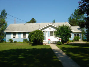 Lake Huron Waterfront Cottage in Southampton For Sale