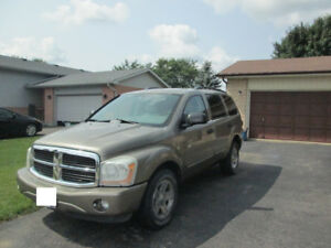 2005 Durango SUV (Former FL vehicle - NO Canadian Winters)