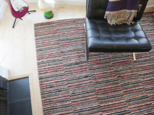 Wool Area Rug/Carpet - Excellent Condition - 9' x 12'