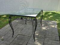 table de pation en fer forgé et verre