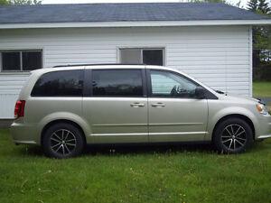 2013 Dodge Grand Caravan Minivan, Van  14 000 Neg.