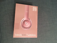 Beats Solo2 Wirless (Rose Gold)