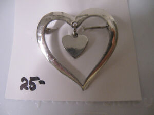 "BRILLIANT SILVERTONE OLD VINTAGE ""PEG-'O-MY-HEART"" BROOCH"