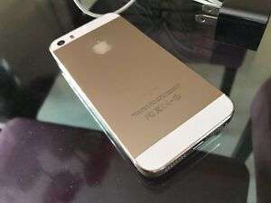 Gold iPhone 5s 16g locked to Telus/Kodoo Mint condition