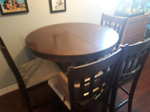 $250 obo Solid wood kitchen/dining table