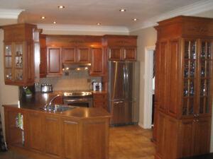 Armoires de cuisine érable comptoir + évier + robinet