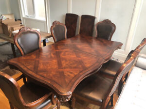 Full Dining Set, Amazing deal!  FREE TABLE