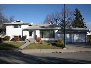 ****Must Sell Chinook Park Home******