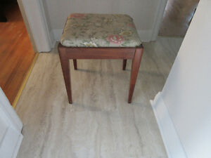 Singer Sewing Stool with storage