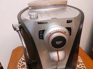 Machine à café saeco odea go