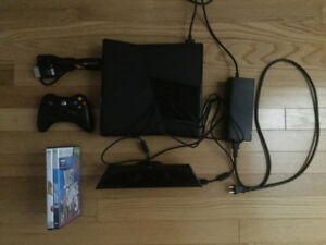 XBOX 360 4GB WITH KINECT & 2 GAMES
