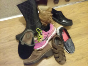 Variety of footwear Size 8/9