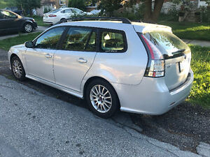 Rare Saab 9-3 2.0T Wagon,6 Speed Manual Transmission!!