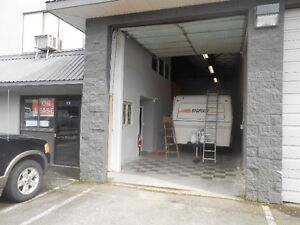 WAREHOUSE IN MAPLE RIDGE APPROXIMATELY 1600 SQ FT