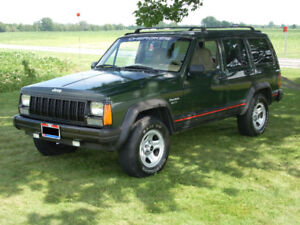 Looking for second generation 1984– 2001 Jeep Cherokee XJ