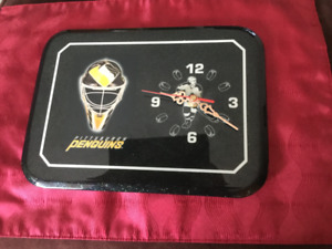 PITTSBURGH PENGUINS Battery Operated Wall Clock