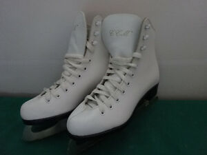 CCM and Bauer Skates from sizes 1 to 4 Cornwall Ontario image 2
