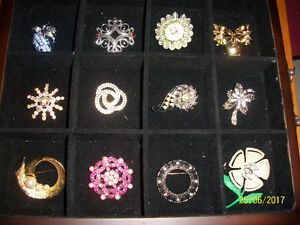 COSTUME JEWELLERY BROOCHES