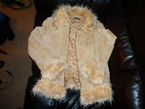 Ladies Jacket SIZE MEDIUM/SMALL suede with furry collar