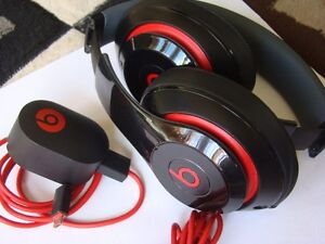 GENUINE BEATS BY DRE AUDIO HEADPHONE WIRELESS W/ USB CHARGER