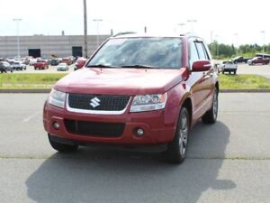 2011 SUZUKI GRAND VITARA with Leather & Heated Seats!