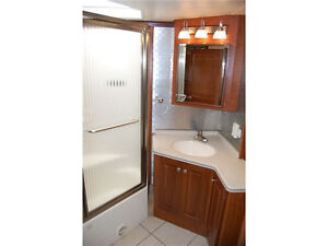 Class A Coach For Sale or Trade for 5th Wheel and Truck London Ontario image 8
