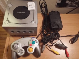 GAMECUBE WITH 9 GAMES, CONTROLLER, AND MEMORY CARD