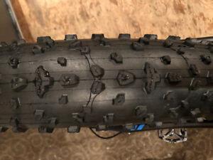 Pneu de fat bike Maxxis Colossus comme neuf