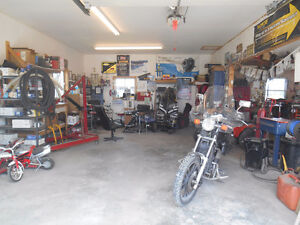 house and mechanic garages