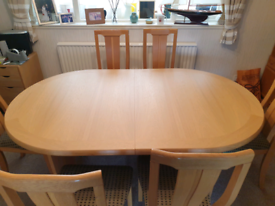 Oak 6-seat Dining Table and chairs