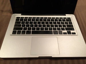 Late 2011 Macbook Pro - 4gb ram - 500 GB