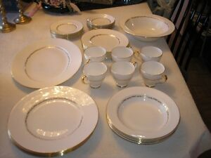 RIDGWAY 1792 ORLEANS PATTERN DINNER AND TEA SET West Island Greater Montréal image 1