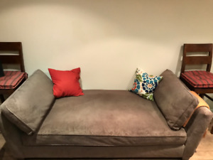 Crate & Barrel Day Bed