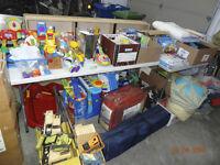 SUPER Vente de garage (jouets pour enfants, meubles et +)