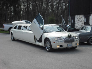 CHRYSLER 300C STRETCH LIMOUSINE WITH LAMBO DOORS