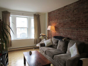 $1725, spacious 2 br apartment, Mile End/Outremont