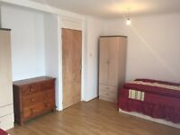 Large room to share for men to rent in Mile End, all bills included, free wifi, ID:595