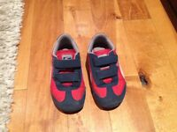 Puma shoes - US size 8 - perfect condition
