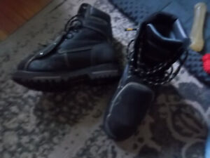 Work Boots Dakota size 8 with Met guards