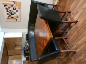 Wooden kitchen table with chairs - 200$