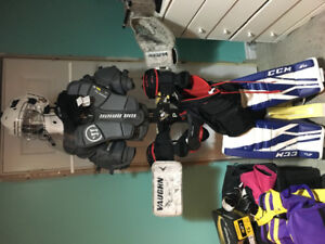 Novice/Atom goalie equipment