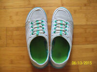 Women's shoes, size 9, 10 for $2