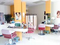 Coiffeuse ou coiffeur