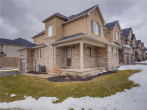 High-End Townhome For Lease in Ancaster