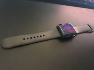 Apple Watch Series 3 (42mm) - *MINT* $450