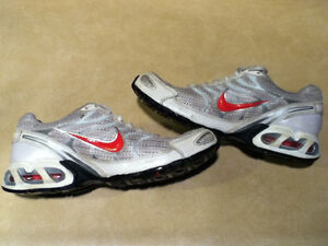Women's Nike Air Max Torch 4 Running Shoes Size 8 London Ontario image 5
