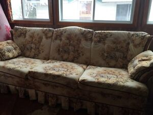 Country Couch (Free)