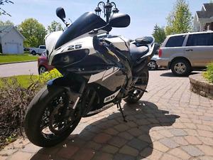 Yamaha r1 2012