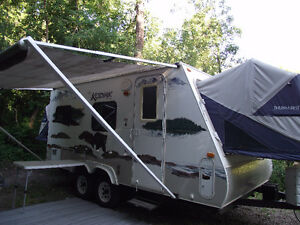 19.5 ft Kodiak Hybrid Travel Trailer for Sale