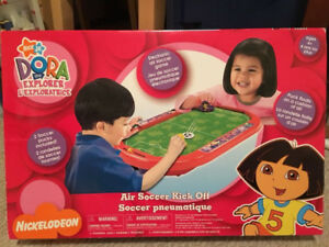 *NIB* Dora the Explorer air soccer game